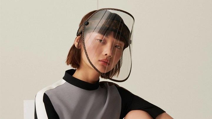 Louis Vuitton lanza protectores faciales de lujo como parte de la colección 2021