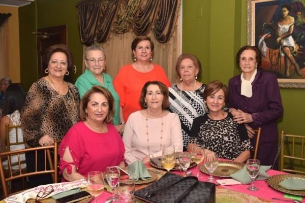 Mary de Handal, Loris de Salamé, Rita Simón, Graciela Chahín, Yolanda Ganineh, Rabab Handal, Lizeth Nassar y Reneé Kawas