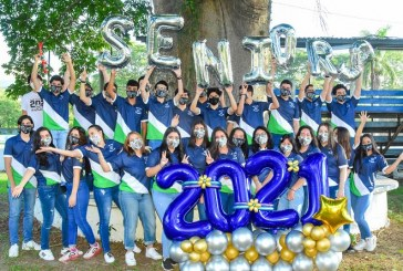 Deroche de alegría en la Senior Entrance 2021 de la Academia Americana
