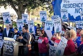 Corte da luz verde a Donald Trump para poner fin a los TPS de cuatro países