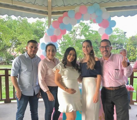 Carlos Ferrera, Daris Valenzuela, Gabriela Quevedo, Sherly Sandoval y Jorge Brizuela.