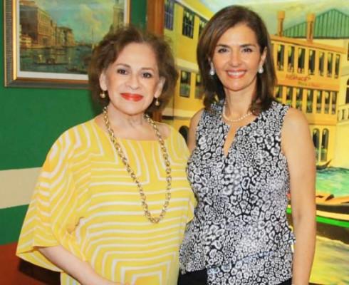 Dos bellas grande artistas Jacky de Rivera y Suyapa Monterroso