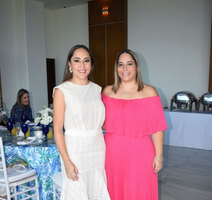 Estefanía Marinakys de Guzmán y Mónica Marinakys
