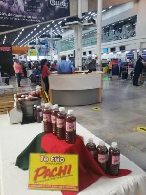 Emprendedores realizan Expo venta Rosa en el aeropuerto Ramón Villeda Morales