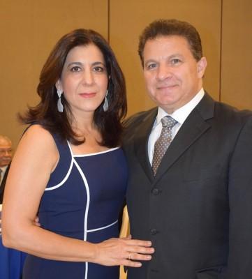 Giselle y Jesús Canahuati.