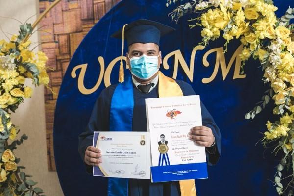 UCENM Graduacion La Entrada