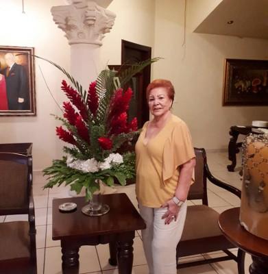 Hilda Sabillon de cumpleaños