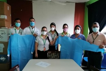 Supermercados La Colonia realiza donativo de batas descartables al Hospital Aníbal Murillo Escobar de Olanchito