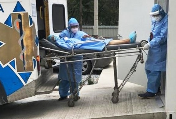 Trasladan los primeros pacientes al hospital móvil de San Pedro Sula