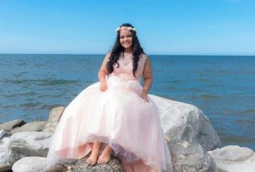 Abi Georgette festeja sus quince años en familia y con la brisa del mar