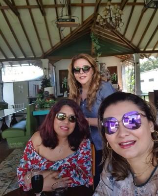 Compartiendo las amigas Vilma Gonzáles, Sheila García y Ruth Rápalo.