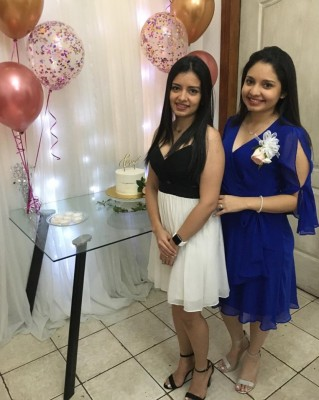 Isis Estrada con su hermana Zury Estrada