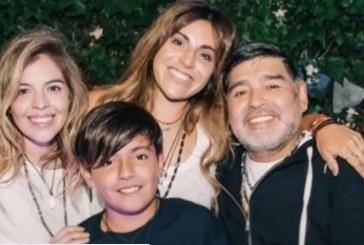 """Herederos de Maradona pueden """"vivir toda su vida sin trabajar"""""""