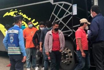 Al menos 217 hondureños que integraban la caravana han sido retornados desde Guatemala