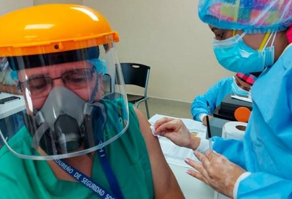 Personal de primera línea de los principales hospitales de San Pedro Sula ya está inmunizados contra la covid-19