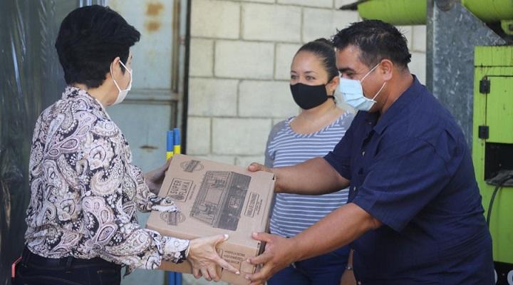 Familias de La Lima afectadas por tormentas reciben paquetes Vida Mejor del Gobierno