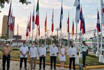 En el Día de las Américas: ceremonia de izamiento de Pabellones de países amigos en Plaza de las Banderas