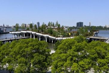 Inauguran parque 'flotante' con 350 tipos de flores, árboles y arbustos en Nueva York (+fotos)