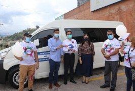 Embajada de Taiwán dona vehículo para apoyar a jóvenes becarios hondureños