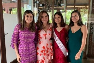 Festejo prenupcial en honor a Elena María Flores Gómez