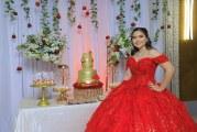 Fabulosa noche en los XV años de Roxana Michelle Velásquez