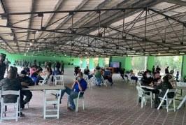 Salud inmuniza personal de apoyo para masiva jornada de vacunación en Cortés
