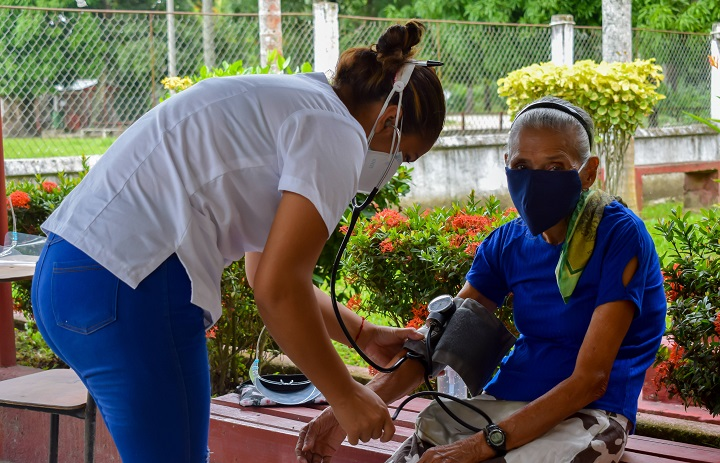 Grupo Jaremar contribuye con la salud de las familias hondureñas al llevar brigadas médicas