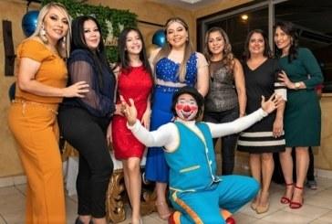 Festejo de graduación en honor Monserrath Flores Rodas