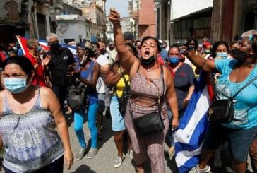 Cuba acusa a EEUU de instigar un estallido social en la isla bajo una política de 'asfixia económica'