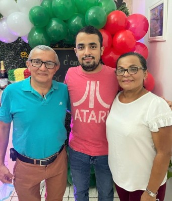 Al estilo italiano despiden su soltería Víctor Aguirre y Estefanía Milla