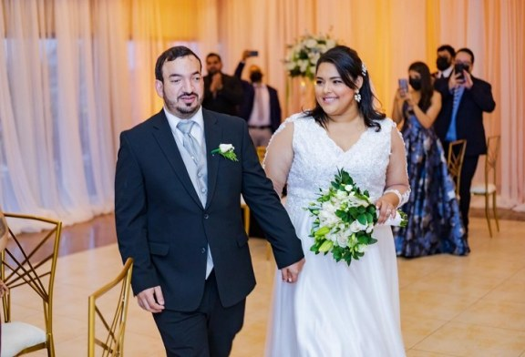 La boda de Isis García y Alberto Carazo: un amor que nació en las aulas universitarias