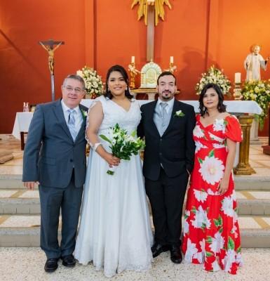 La boda de Isis García y Alberto Carazo: un amor que unió las aulas universitarias