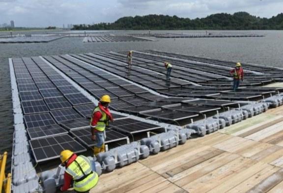 Presenta Singapur una de las plantas flotantes de energía solar más grandes del mundo
