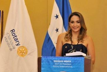 Ena Patricia Interiano fue juramentada como primera presidente mujer de Usula Rotary Club