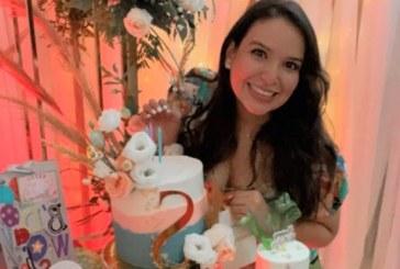 Triple pastel para Scarleth en su cumpleaños