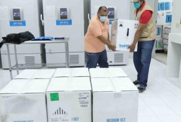 Llega nuevo lote de 105.300 dosis de vacuna de Pfizer compradas por el Estado de Honduras