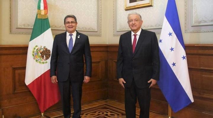Hernández dialoga con López Obrador sobre vacunación, migración, cambio climático y empleos