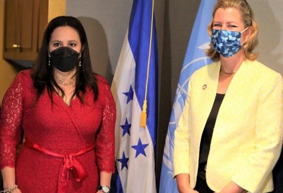 Primera Dama se reúne con Alta Comisionada Adjunta para los Refugiados