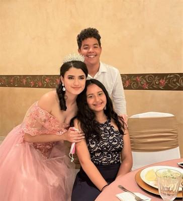 Espléndida celebración de quinceañera en honor a Ashley Romero