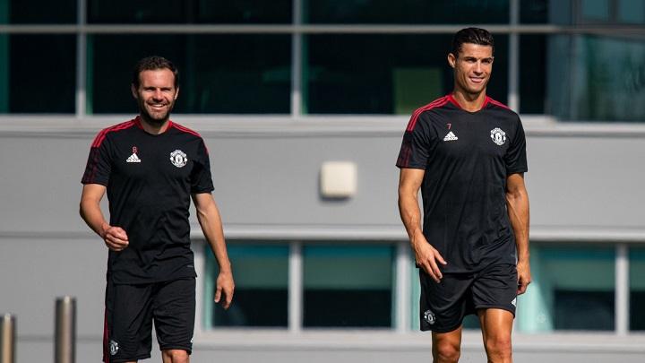 CR7 entrena por primera vez con el Manchester United después de 12 años