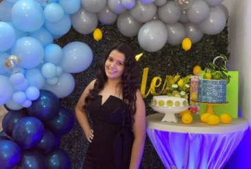 Alexa fue agasajada en su cumpleaños número 18