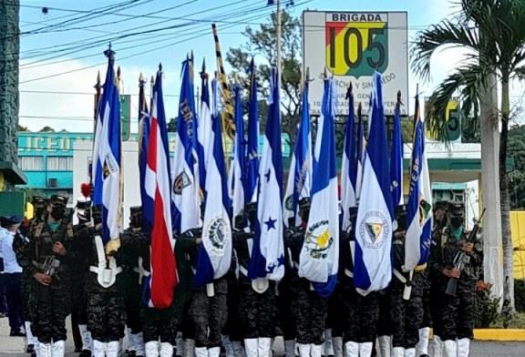 Con desfile cívico militar celebran sampedranos los 200 años de Independencia