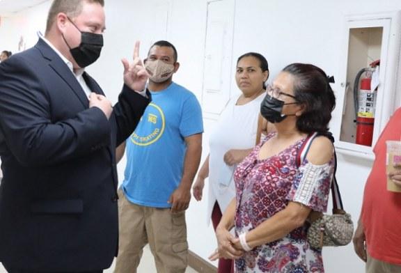 """""""Servicios consulares móviles han sido un acierto"""" afirma cónsul general de Honduras en Miami"""