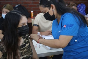 Salud y Educación proyectan inmunizar a 64.000 estudiantes contra la covid-19 en Cortés