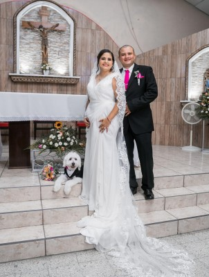"""Su mascota """"Bruno"""" el enviado espacial en la boda de Alba Molina y Danny Altamirano"""