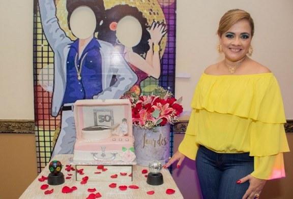 Retro party de los años 70s en honora a Lourdes Zepeda